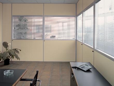 Mobili e progettazione per arredamento uffici for Mobili per studio medico